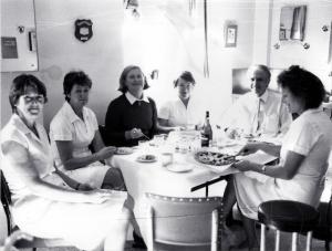 Jane Fonda, Claire State, ?, Valentina Akman, Bill Garrett, Kate Dixon (RHW)