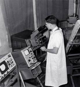 Dave Robinson doing system line-up on Mk I scanner (1962)