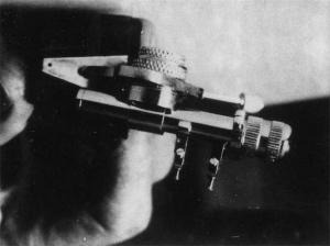 Micro adjustable dental scanner (1964)