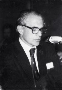 Dr William Garrett