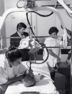 Kaye Griffiths, George Kossoff, Margaret Tabbrett, scanning babies heads (1973)